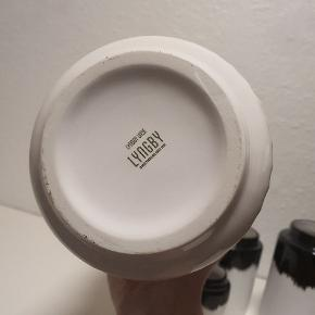 Sælger denne lyngby vase 20cm, har kun stået til pynt🙂