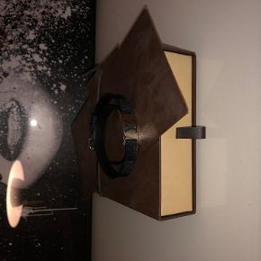 Louis Vuitton armbånd med original kasse