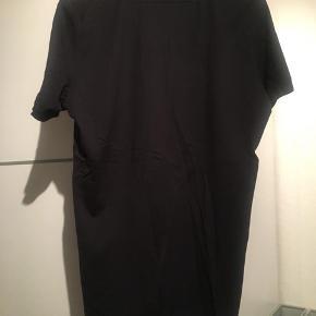 Trøjen har en cond på 9/10, så den er stort set som ny