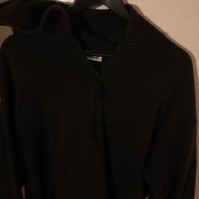 Sort hoodie med zip