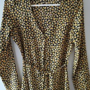 Sælger denne flotte kjole fra Envii str S