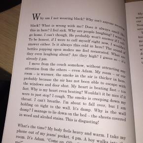 Ungsdomsroman skrevet på engelsk og udgivet af mine tvillingesøster Caroline! 🥰  Den er super god og nem at læse. Jeg anbefaler klart at give den et forsøg ☺️✨