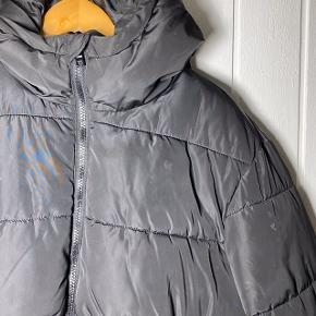 H&M pufferjacket ikke brugt særlig meget Ny pris var 400