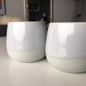 """Søde små """"vaser"""" fra IKEA  Pynter fint.  Sælger da jeg ik får gjort godt ud af dem 😁  Køber betaler porto"""