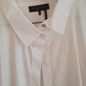 DKNY skjorte