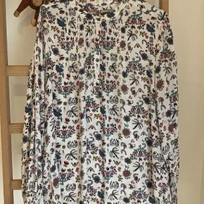 Fin bluse fra PBO str.46 i silke . Brugt og vasket et par gange.