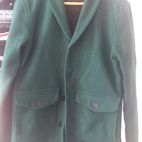 Han Kjøbenhavn blazer i lækker uld. Perfekt overgangsjakke til efteråret.