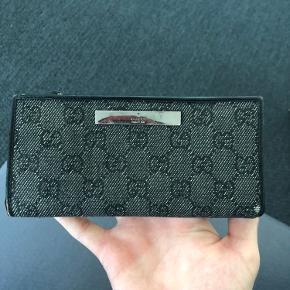 Sælger denne gucci damepung Intet og Køb nu til 250 + fragt  Køb alle punge/nøgleholdere på profilen samlet til 1000