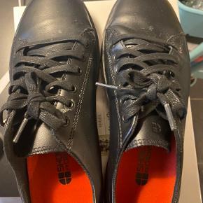 Skridsikre sko til arbejde
