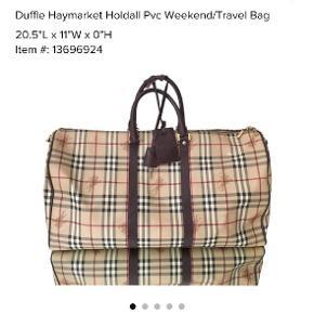 Burberry Haymarket duffle I Perfekt stand  Skriv for flere billeder  Trader også så byd