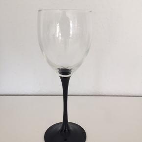 12 hvidvins glas Skal afhentes