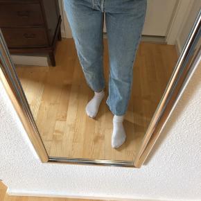 Levis jeans  Afhentes 8000 Aarhus C Sender også med Dao, køber betaler selv fragten.