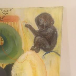 Maleri str 100 x 80 cm. Titel: kampen mellem aben og boldene i luften. Oliemaling, poscatusser, papir på lærred. Har været udstiller på galleri og i kunstforeninger. Oprindelig pris 6000 kr.