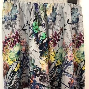 Fin sommer nederdel fra Stig P.