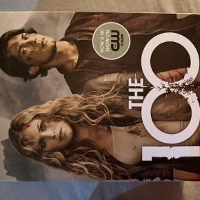 The 100 bogserie  Bøgerne er på engelsk