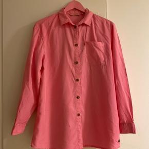 Sælger denne Nümph skjorte som er en ener og kommer ikke i produktion ☺️ Så limited edition👍