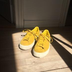 Modellen Platform Trace.   Skoene er en str. 38.5  De er brugt 3 gange, er imprægneret og har fået masser af kærlighed.   Jeg fik desværre købt dem for store og har derfor ikke rigtig fået dem brugt.  Nypris var 950 kr.