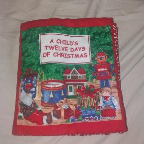Stof pegebog. The 12 Days of Christmas. Julebog. Syet til min egen datter - i rigtig fin stand.
