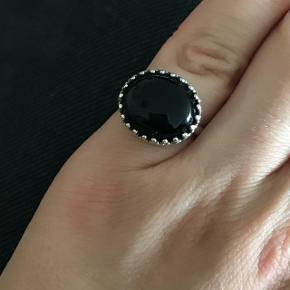 Carré sterling sølv ring med sort agat.  Str 48. I flot stand.  Nypris 730kr  Fast pris!  300pp