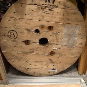 Kabeltromle Byd.  Kan bruges til bord mm 70 cm i diameter