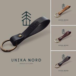 ♥️FAR♥️  Kernelæder nøglering.  Læder nøglering med valgfri læder og montering. (Se billede)  Få mere inspiration så tag et kik på min profil. Der kommer løbende nye læder produkter.