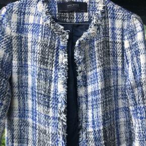 Tweed bouchle