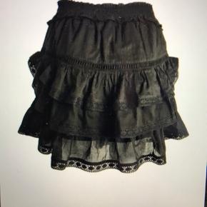 Rigtig fin nederdel fra neo noir i sort med masser af detaljer