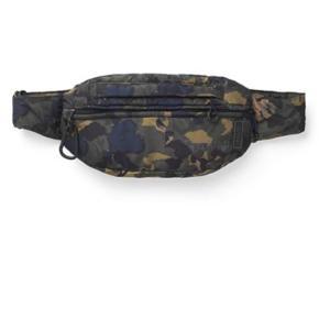 Fedeste bæltetaske fra Ganni sælges, da jeg har for mange tasker. Kom med et bud. Ny prisen var 700 kr.