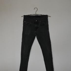 Jeans fra Tiger of Sweden, med masser af stretch i stoffet. str. 31/34 Livvidde 80 cm skridtlængde 80 cm Som afbillede