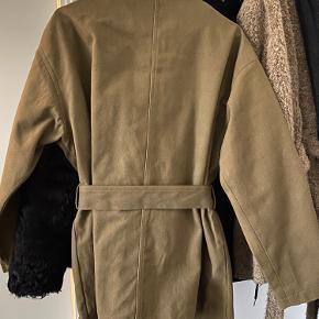 Flot jakke fra Meotine. Aldrig brugt. Størrelse S/M.