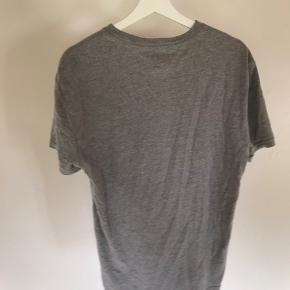 Rigtig fin Tommy Hilfiger t-shirt.