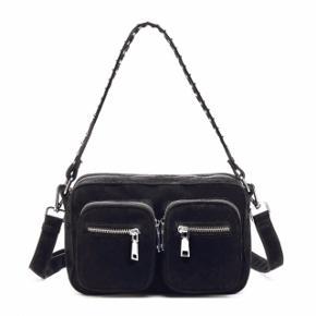 OBS: ikke en Nunoo taske, men derimod en Noella taske. Tasken er ny og ubrugt.