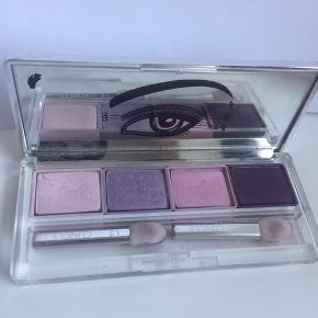 Brugt 5-10 gange - se billeder   Smuk clinique øjenskyggepalette med 4 farver. Nr 08 ticklish   Køber betaler fragten