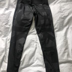 Highwaisted sports tights fra Adidas