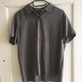 Uniqlo skjorte