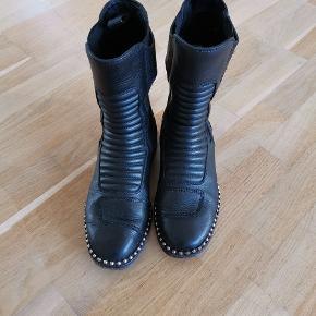 Vera Wang støvler