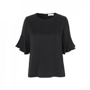 Serena bluse Bryst 2 x 56 cm Længde 59 cm  Bytter ikke