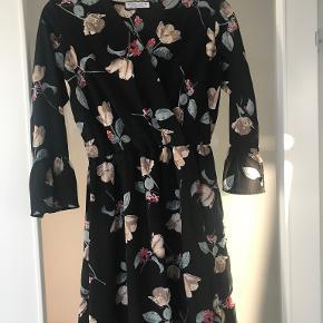 Sarah John kjole