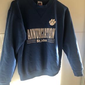 Vintage Sweatshirt i flot blå. Lille i størrelsen. Xs/small.