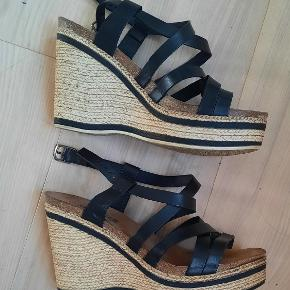 Shoegar heels