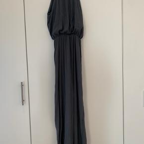 Galla kjole brugt 2 gange⭐️