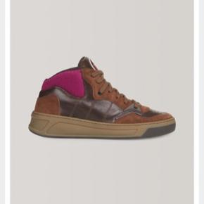 Sælger disse ganni sneakers som er i butikkerne nu  Str er 38 Np 2000
