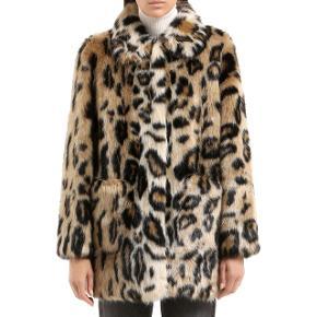 Stand Alexa Faux Fur leopard jakke i str. 42 sælges - stadig med prismærke.