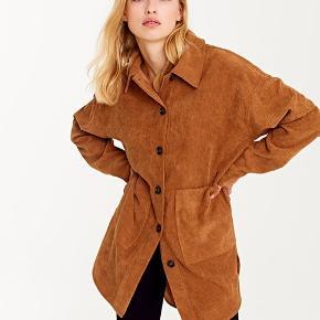 Frakment skjorte i brun