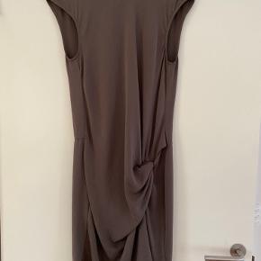 Patrizia Pepe kjole