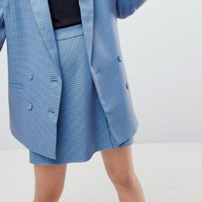 Modellen hedder prisilla skirt og er fra Gestuz vinter kollektion 2018.
