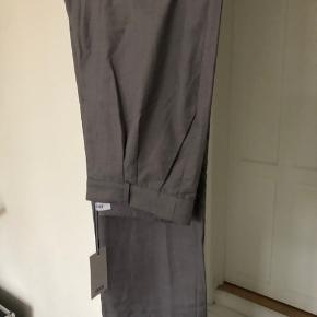 Enseven pants 6763 in light grey Mel. New with tag