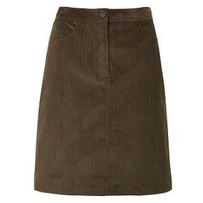 Flot nederdel! Får desværre ikke brugt den. Købt til 1000kr. Kom med et bud :-)