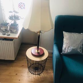 To IKEA bordlamper næsten som ny