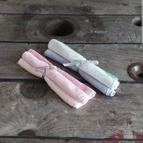 De blødeste vaskeklude til baby, 20x20 cm, 100% bomuld. Lyesrøde/lyseblå, 3-pak 15,-